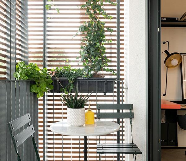 阳台封窗用什么材料好?